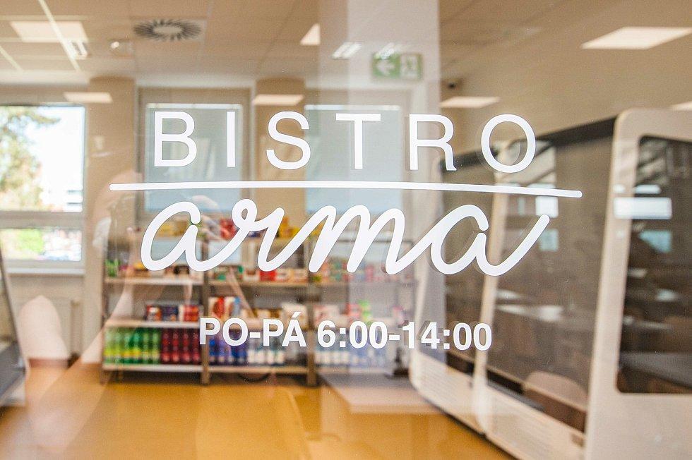 Nová jídelna ve Fakultní nemocnici Plzeň na Borech.