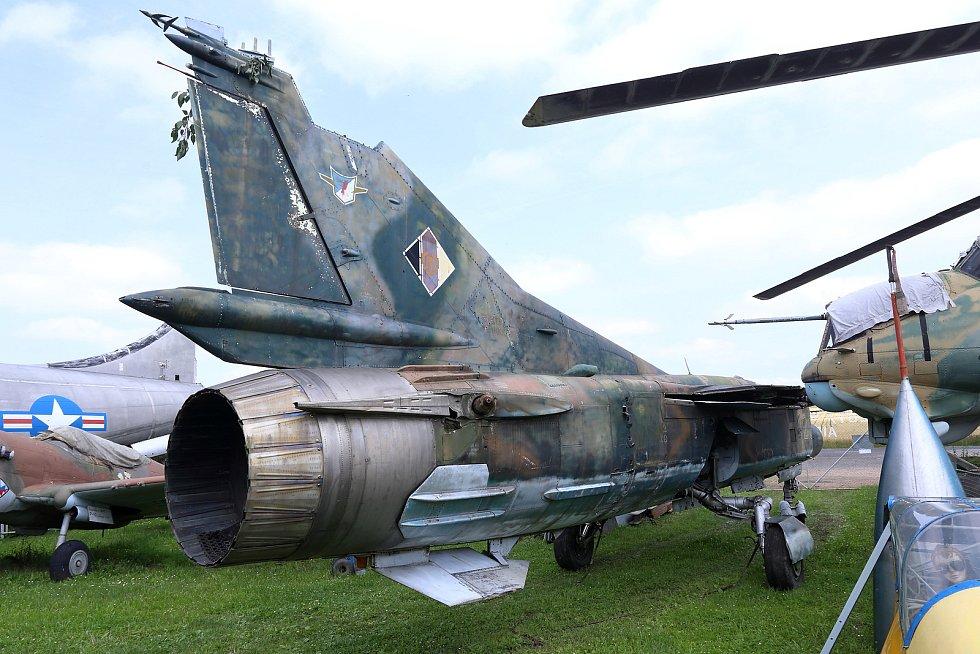 Stíhačku MIG-23 UB mají nově v Air Parku Zruč.