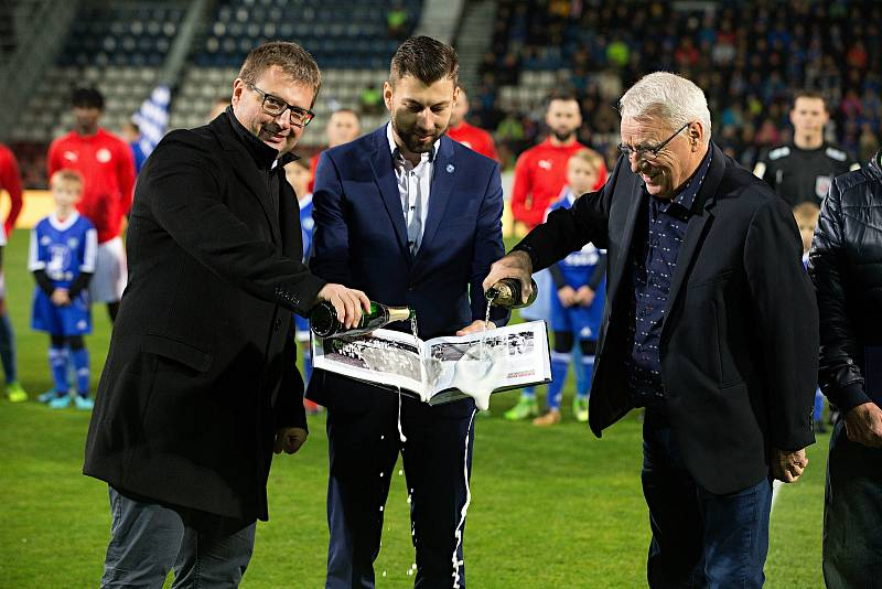 Petr Uličný (vpravo) a Martin Major pokřtili publikaci o SK Sigma Olomouc.