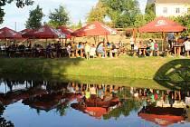 Rockový festival v areálu U Mže přilákal desítky posluchačů.