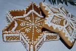Velkou výstavu s názvem Vánoční dárky od našich babiček po současnost mohou obdivovat návštěvníci budovy Městského úřadu ve Stodě na jižním Plzeňsku