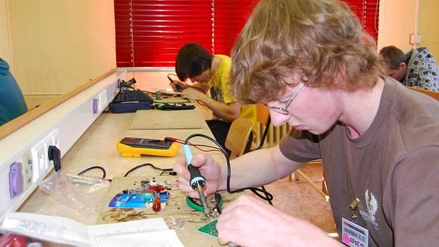 Ve Stodě se konala pátá dovednostní soutěž žáků oboru mechanik-elektronik
