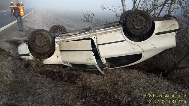Dopravní nehoda mezi Vysokou Libyní a Hubenovem.