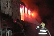 Hořící vlaková souprava u Pňovan