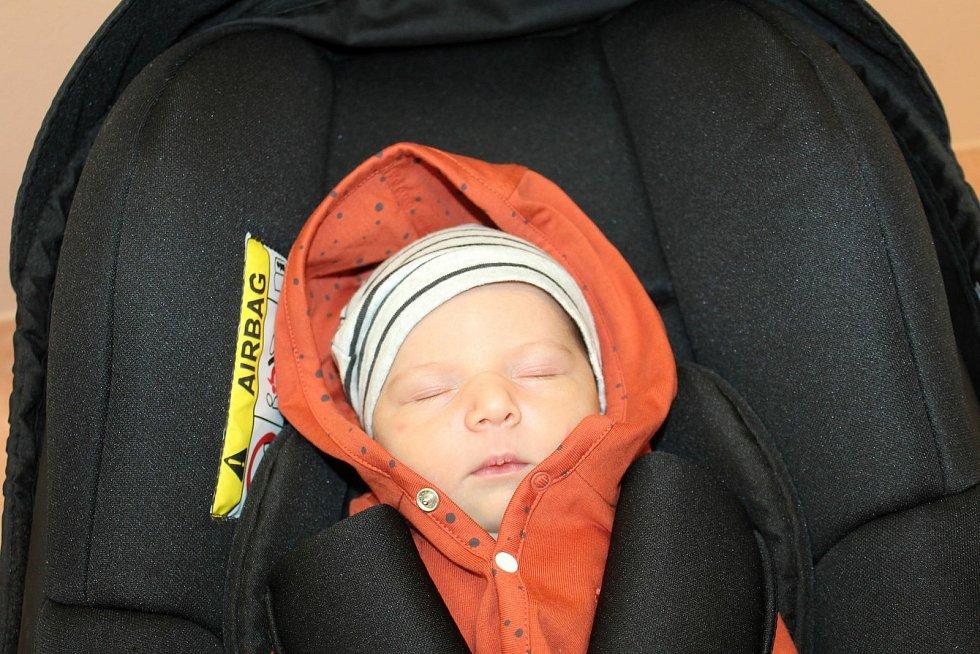 Vanesa Tolarová (3380 g, 52 cm) zHoršic se narodila vklatovské porodnici 24. července v20:24 rodičům Marianě a Davidovi. Doma se na malou sestřičku těšil bráška Samuel (2,5 roku).