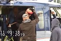 Rumun  Florin Gheorghita Dascaleanu, který pobodal v Plzni barmanku, byl zadržen v Německu. Policisté si pro něj doletěli vrtulníkem. Nyní dostal 7 let vězení.