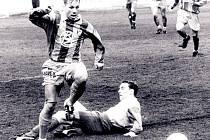 Autorem jediného gólu Viktorie Plzeň v historicky prvním domácím utkání Viktorie Plzeň proti Baníku Ostrava byl útočník Marcel Švejdík (vlevo na archivním snímku)