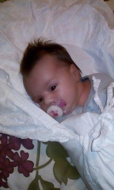 Soffie Kolarova se narodila 19. listopadu ve 22:15 mamince Dominice a tatínkovi Danielovi Holému. Po příchodu na svět vsanitce cestou do porodnice vobci Úlice vážila sestřička roční Valerie 2950 gramů a měřila 47 centimetrů.