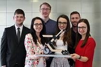 Výukového projektu DESING+, jehož 15. ročník se letos uskutečnil na Západočeské univerzitě v Plzni, se zúčastnilo  73 studentů ze čtyř fakult. Ti vytvořili deset interdisciplinárních týmů, v nichž zpracovávali vždy jedno ze čtyř témat zadaných průmyslovým