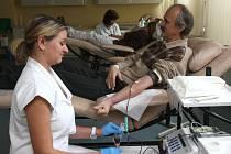 Lidé darovali krev s Českým rozhlasem