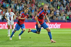 FC Viktoria Plzeň - CSKA Moskva. Michael Krmenčík se raduje z gólu (vpravo).