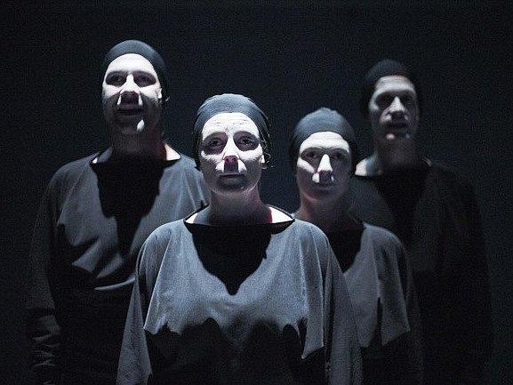 Pražská divadelní společnost Boca Loca Lab