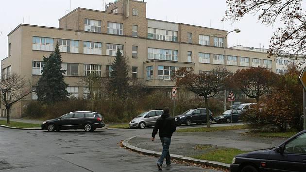 Budova porodnice na Čapkově náměstí na Slovanech