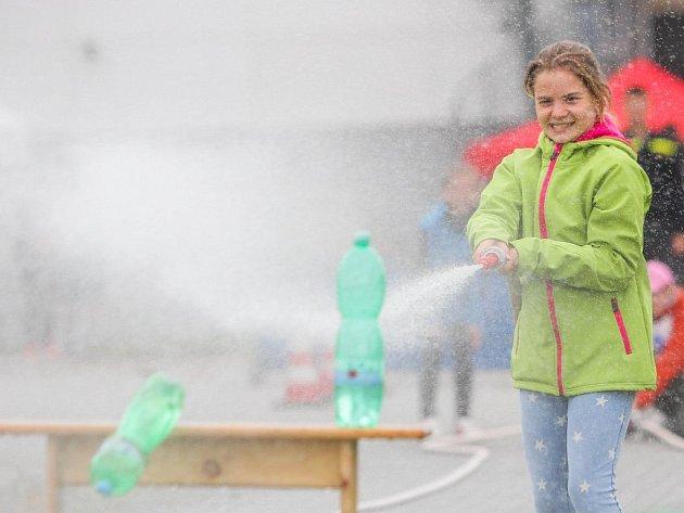 Jedna z disciplín ve čtvrtek krajského kola soutěže Malý záchranář pro 4. a 5. třídy ZŠ