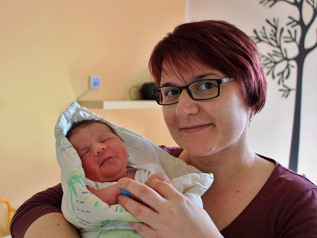 Matyáš Katrušin se narodil 28. března ve 20:06 mamince Alexandře a tatínkovi Zdeňkovi ze Zruče-Sence. Po příchodu na svět v rokycanské porodnici vážil bráška pětiletého Jakuba 3520 gramů a měřil 49 centimetrů.