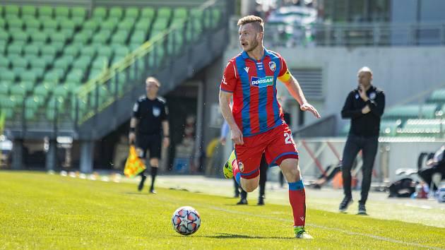 Jakub Brabec při remízovém utkání v Karviné.