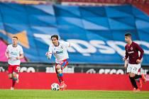 NA SPARTĚ Aleš Čermák fotbalově vyrůstal, ve středu tam neuspěl, v dresu plzeňské Viktorie byl u porážky 1:3.