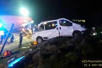 Nehoda mikrobusu na dálnici D5.