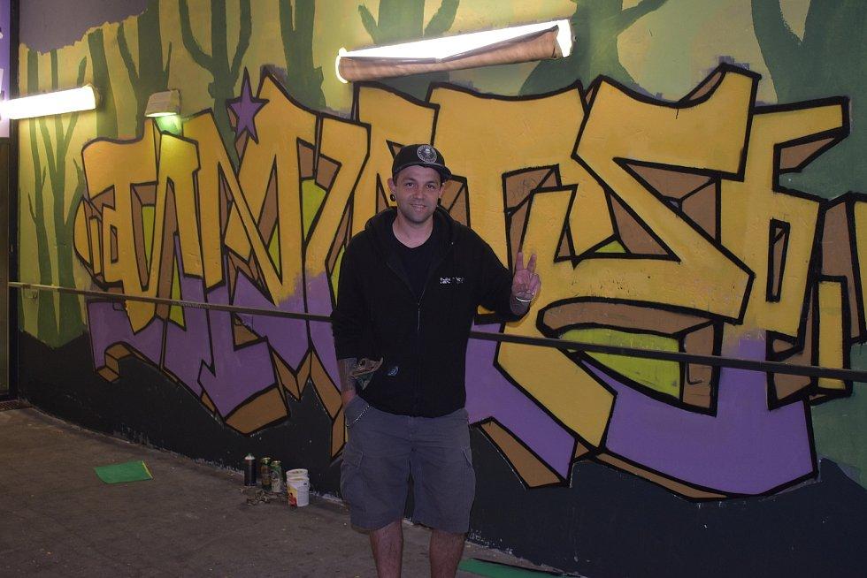 Plzeňští tvůrci dělali graffiti.