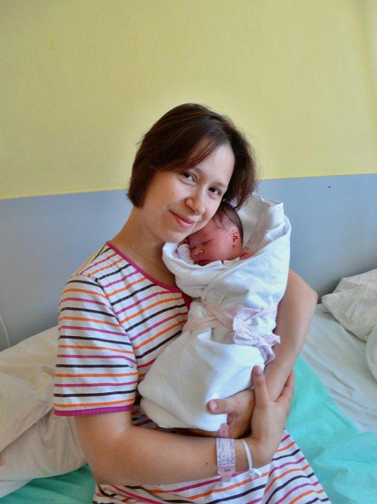 Johana Macháňová se narodila 31. května ve 22:08 mamince Elišce a tatínkovi Miroslavovi z Plzně. Po příchodu na svět v porodnici U Mulačů vážila sestřička pětileté Anežky a dvouletého Davida 3050 gramů a měřila 48 centimetrů.