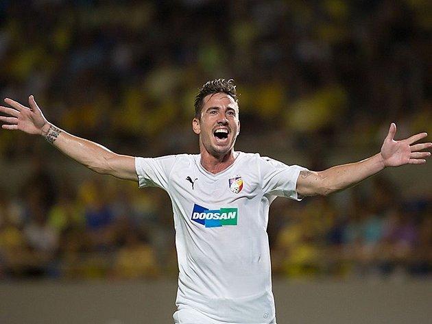 Milan Petržela se raduje ze vstřeleného gólu do sítě Maccabi Tel Aviv