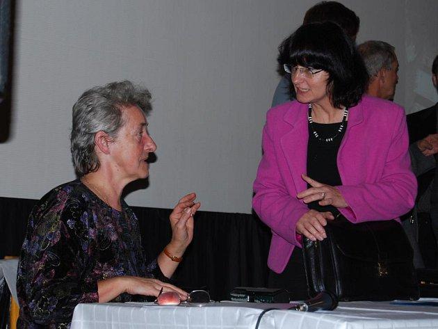 Na snímku je ředitelka Národního památkového ústavu v Plzni  Ludmila Drncová (vlevo) s koordinátorkou projektu P.21 Jaroslavou Barbarou  Sporkovou