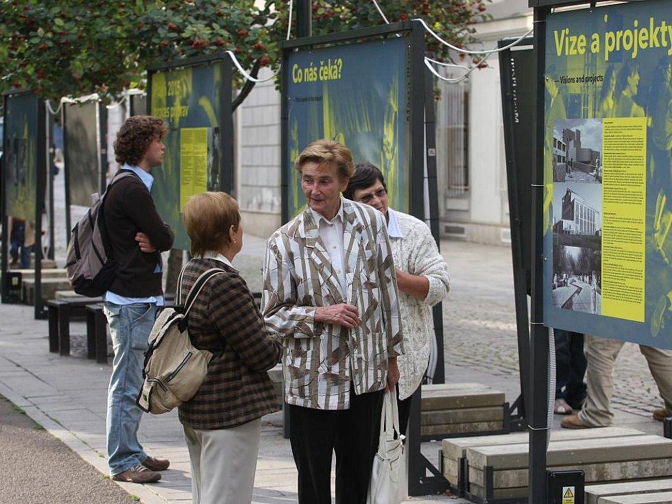 Co přinesl titul Evropské hlavní město kultury místům, která jej již získala, se mohli lidé dozvědět z putovní výstavy ve Smetanových sadech v Plzni
