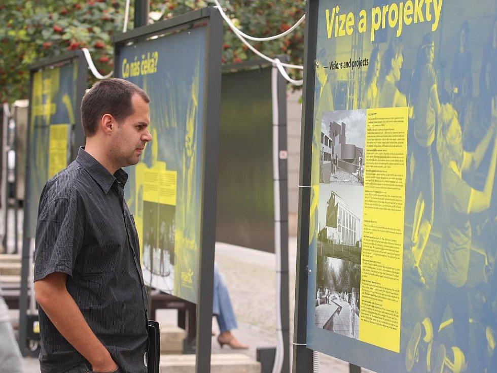 Co přinesl titul Evropské hlavní město kultury místům, která jej již získala, se mohou zájemci dozvědět z putovní výstavy ve Smetanových sadech v Plzni
