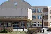 V Přešticích budou mít Základní školu Josefa Hlávky pojmenovanou po nejznámějším rodákovi pocházejícím z tohoto města.