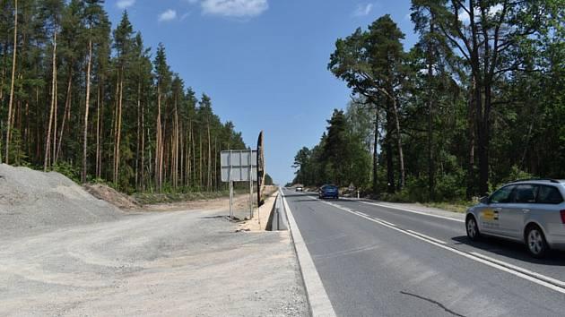 Začala výstavba silnice na Třemošnou.