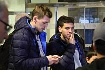 Třiadvacetiletý levý obránce Erik Janža, který prošel mládežnickými reprezentacemi a má i jeden start za slovinské áčko, podepsal v Plzni smlouvu na čtyři a půl roku.