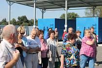 Mnohem větší možnosti, kam odložit nepotřebné věci, mají obyvatelé Blovic od letošního srpna. Do sběrného dvora za 7,5 milionu korun mohou ukládat i stavební suť či nebezpečné odpady