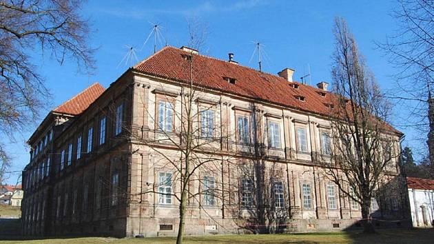 Budova prelatury kláštera Plasy