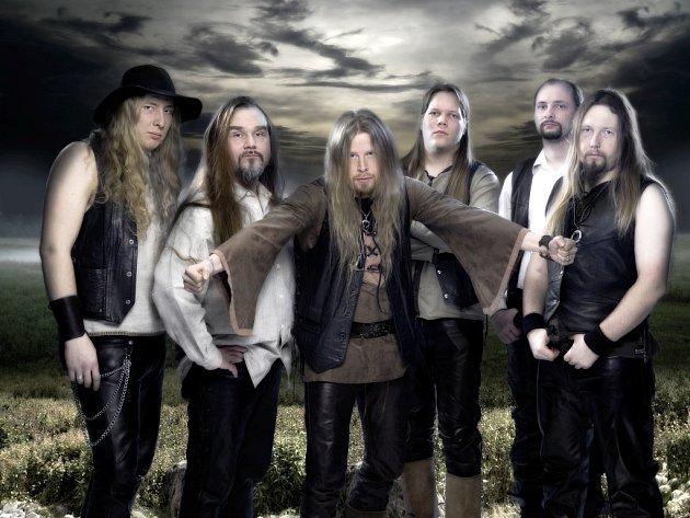 Finská folkmetalová kapela Korpiklaani vystoupí zítra v kulturním domě v Šeříkové ulici v Plzni.