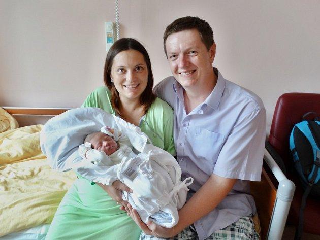 Barbora Brašnová se narodila 25. července ve 4:31 rodičům Marcele a Martinovi ze Zruče. Po příchodu na svět ve FN vážila sestřička tříletého Adama 3860 gramů a měřila 51 cm.
