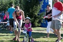 První  závodnické krůčky si při  Spoke maratonu MTB v Kralovicích vyzkoušeli ti nejmenší