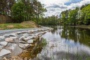 Stezka kolem Třemošenského rybníku