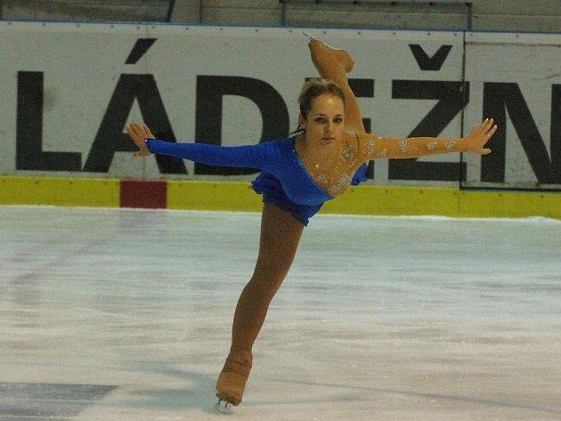 Sedmnáctiletá krasobruslařka Krasobruslařského klubu Plzeň Lucie Mužíková se 24. 11. poprvé představí při závodech na domácím ledě.