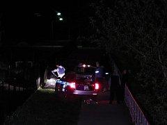 Náhodní kolemjdoucí našli nedaleko papírenské lávky tělo mrtvé