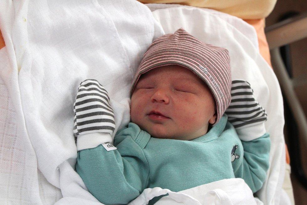 Rozálie Valentová z Hracholusek se narodila v plzeňské FN na Lochotíně 15. září ve 4:56 hodin (3330 g, 48 cm). Rodiče Lucie a Jaroslav věděli dopředu, že jejich prvorozeným miminkem bude holčička.