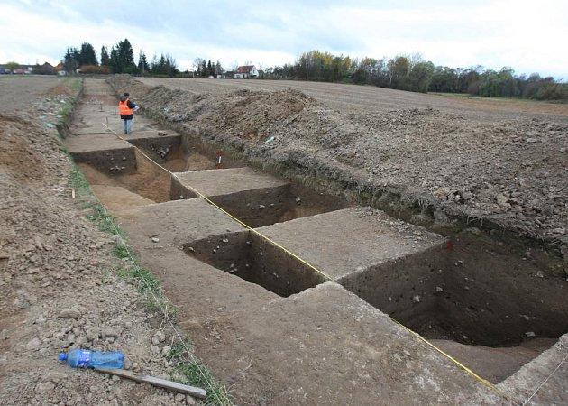 Archeologové v lokalitě železničního koridoru u Kyšic