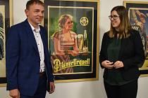 Jan Hosnedl a Eva Skořepová, autoři výstavy Bohumil Bimba Konečný, nově ve sbírce Západočeské galerie.