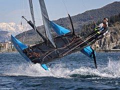 Jachtaři  David Křížek s Milanem Harmáčkem (na snímku) se v příští sezoně představí s katamaránem  Flying Phantom v prestižní Extreme Sailing Series.