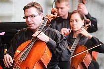 Plzeňská filharmonie vystoupila na náměstí Republiky