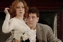 Slavnostní zahájení ve středu od19 hodin v plzeňském Velkém divadle bude patřit slavnému Vachtangovovu divadlu z Moskvy, které v režii svého uměleckého šéfa Rimase Tuminase uvede Čechovovu hru Strýček Váňa