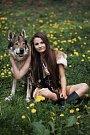 Snímky s milovanými zvířaty od profesionální fotografky dostala Terezka ze Zdemyslic ke svým osmnáctým narozeninám. Užila si je jen chvilku, pak byla brutálně zavražděna bývalým spolužákem.