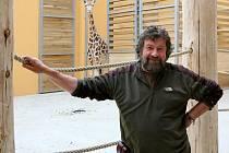 Aleš Toman se svým svěřencem Lexem, který do Plzně přicestoval z ostravské zoo. Přeprava Lexe i jeho kolegy Bořka byla mnohem klidnější než transport malajské medvědice