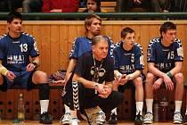 Vladimír Haber (v popředí v podřepu)