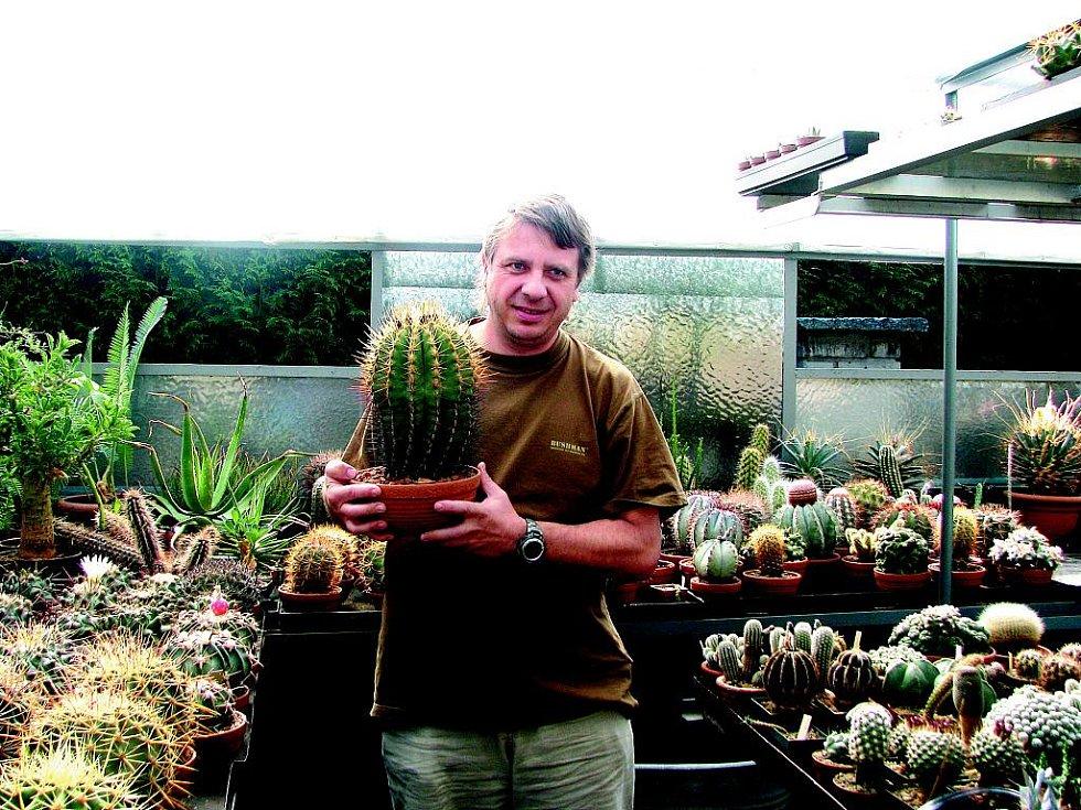 Petr Česal má doma tisícovky kaktusů.
