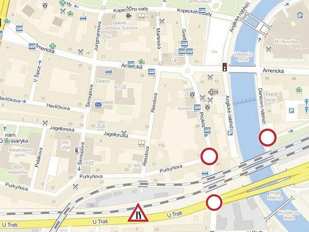Úplná uzavírka je v Prokopově ulici a na Denisově nábřeží